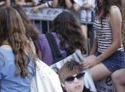 Justin's Fans Outside Aviv Hotel