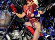 Lady Gaga Looking Glam Performed 2011 Jingle...