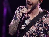 Here's What Happens When Ambush Adam Levine Stage (Hint: DON'T