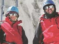 This Indian Couple Fake Their Everest Summit?
