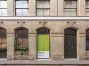 Pantone Collaborates with Airbnb Tavel