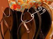 Frugal Craft: Make Flip-Flop Hangers