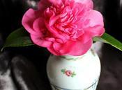 Vase Monday Camellia