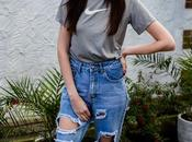 90's Style: Ripped Jeans