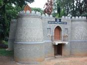 DAILY PHOTO: Tiny Castle Sankey Tank