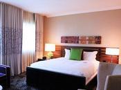 Should Split Your Time Between Hotels