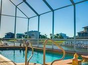 Factors Consider Before Hiring Backyard Pool Contractor