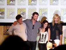 Kristen Stewart-starring Snow White Huntsman Roundly Satisfies Critics