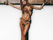 Merry Christmas: Raquel Welch Crucified Terry O'Neill