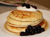 Healthy Breakfast Recipe Idea Father's Day: Apple Pancakes with Blueberries Ricotta